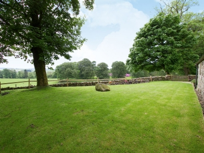Tullibole Castle Longhouse Kinross Reviews And Information